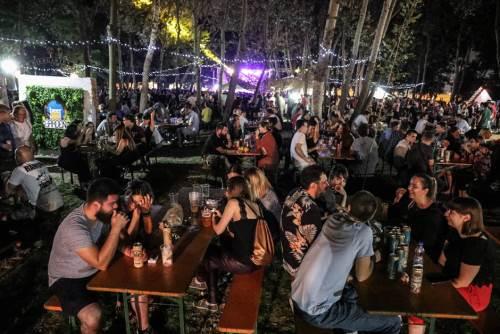 beer garden, koncert, pivo