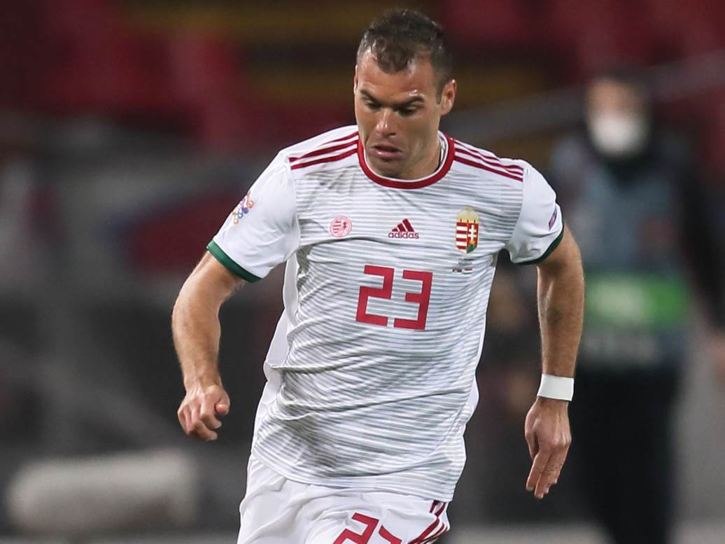 Nemanja Nikolić u dresu Mađarske.