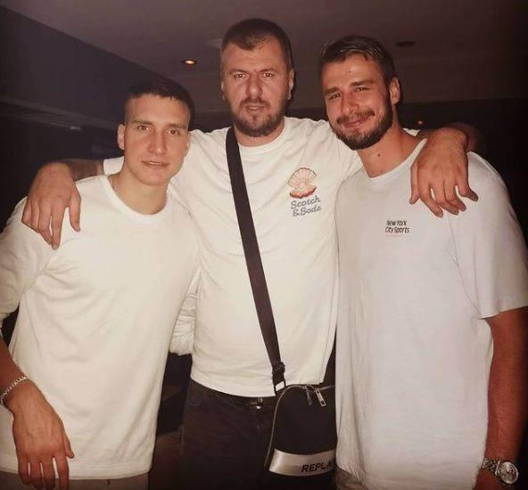 Janjuš s Bogdanom Bogdanovićem i Nemanjom Dangubićem