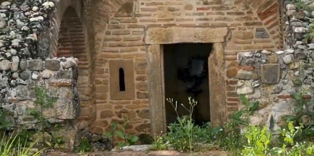 Rimska grobnica u Brestoviku