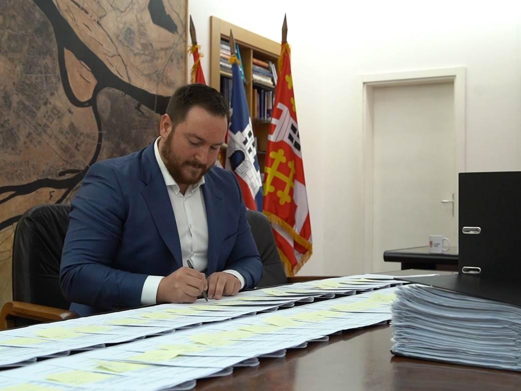potpisivanje ugovora 2