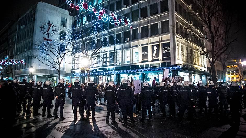 Beograd: Specijalci brane izlo�bu �rtava �korpiona | Mondo Portal