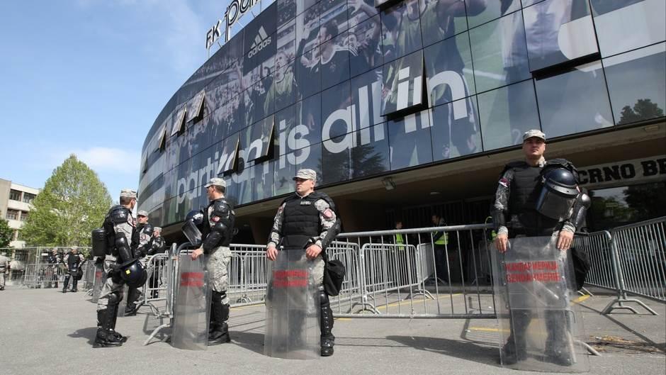 Policija, stadion