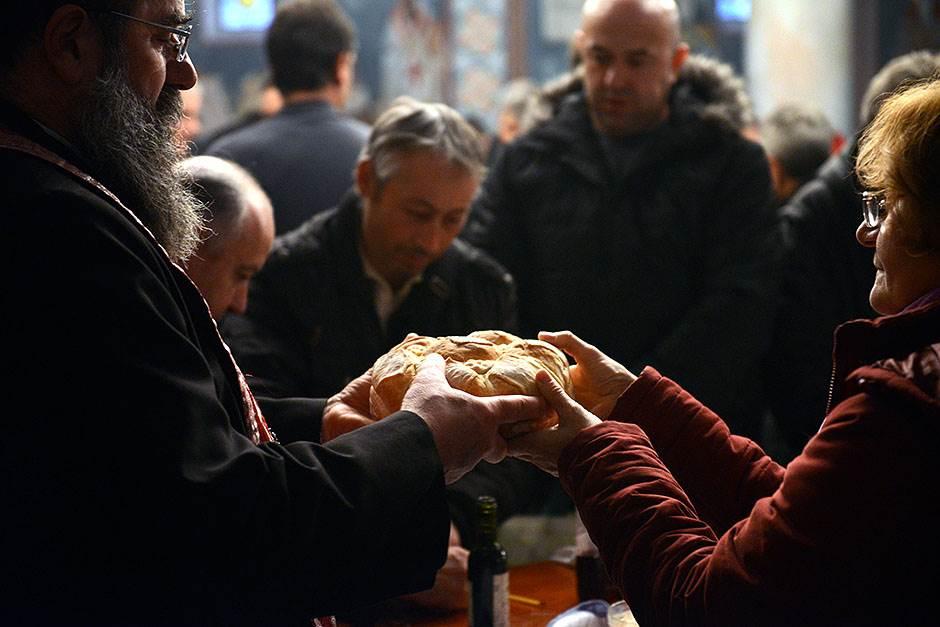 sveti nikola, slavski kolač, slava, crkva,