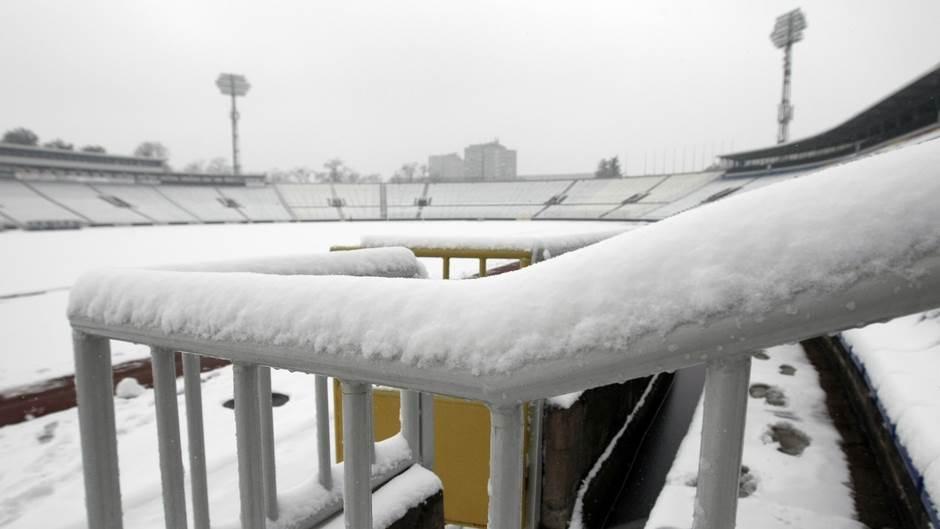 humska partizan stadion tribine sneg zavejan.jpg