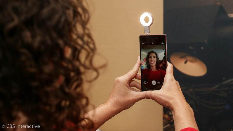 Lenovo VIBE Xtension Selfie Flash.