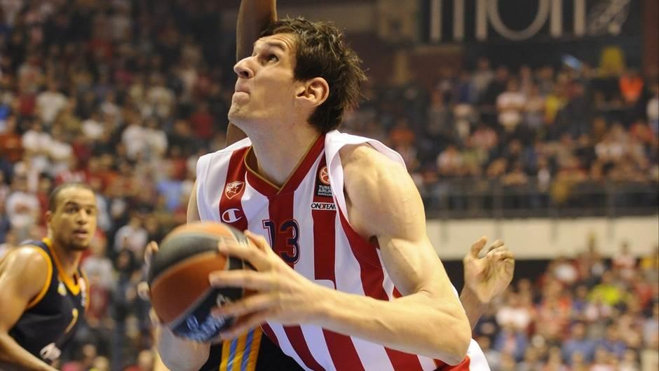Boban Marjanović Bobi na meču Top 16 faze Evrolige Zvezda Alba