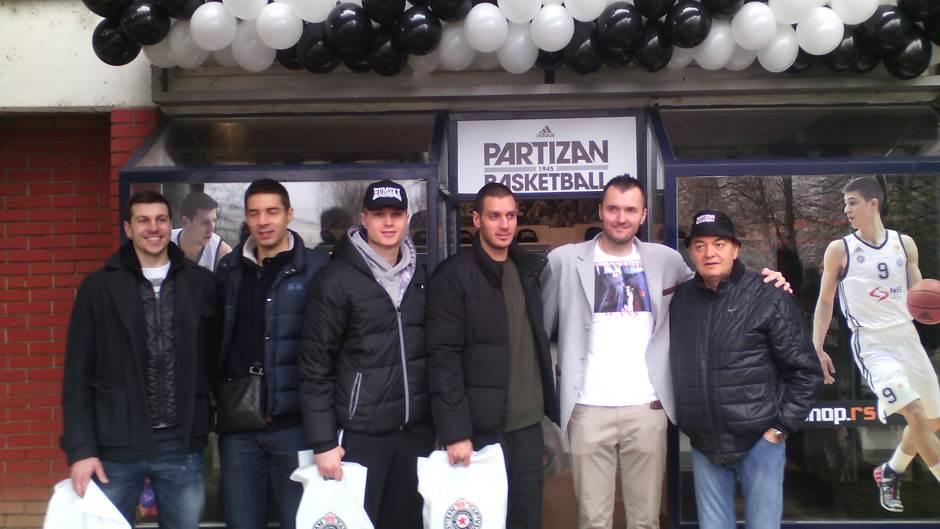 KK Partizan - Page 2 Kk-partizan