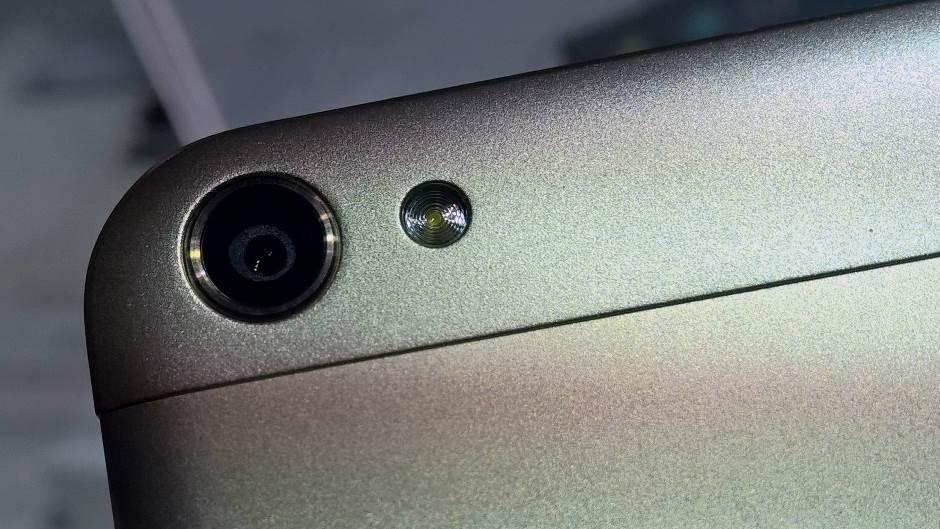 REKORD: Ažuriraće 49 modela na najnoviji Android!
