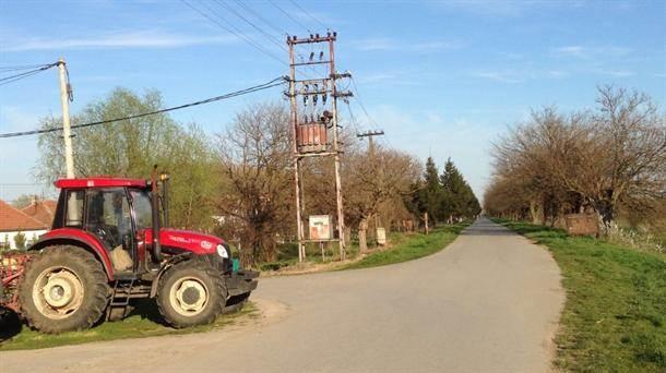 jaša tomić 6, selo, traktor