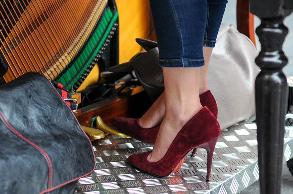 štikle, štikl, cipela, cipele, devojke, knez, mihailova, klasična, muzika, ulica, ulični, svirači