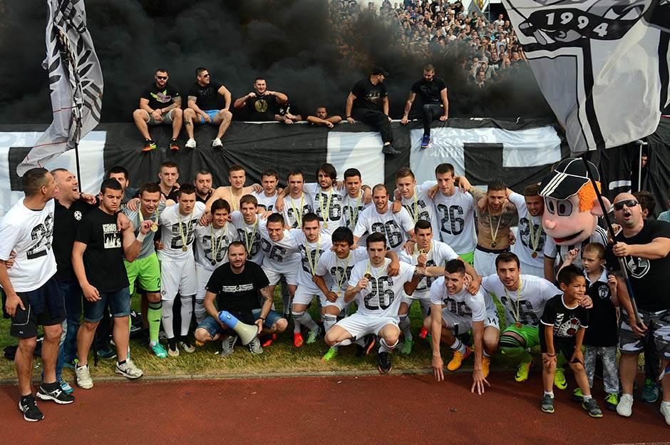 FK Partizan - Page 5 Partizan-titula-proslava-mondo-stefan-stojanovic-22