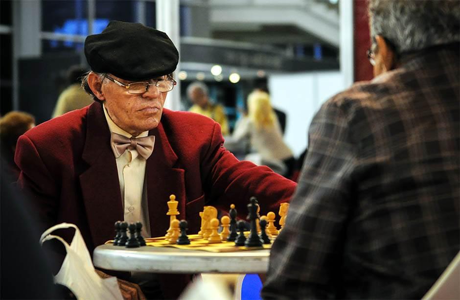 šah, penzioneri, starac