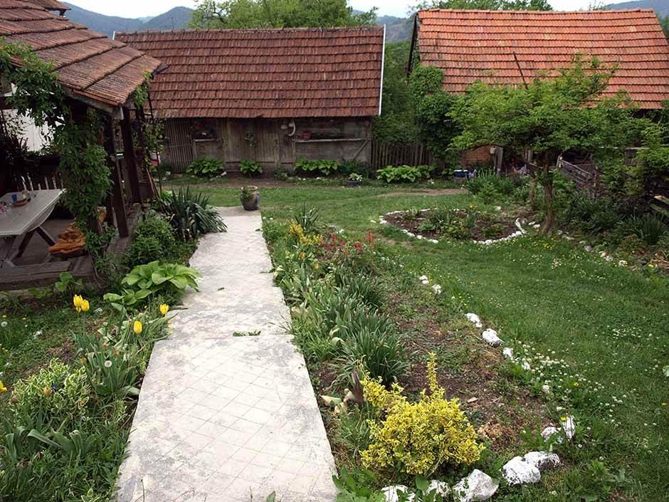 EVO zašto propada selo: MUKE jedne seljanke