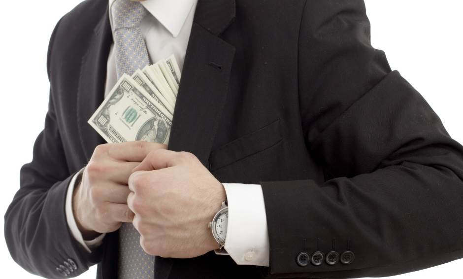 novac, pare, mito, korupcija, muškarac