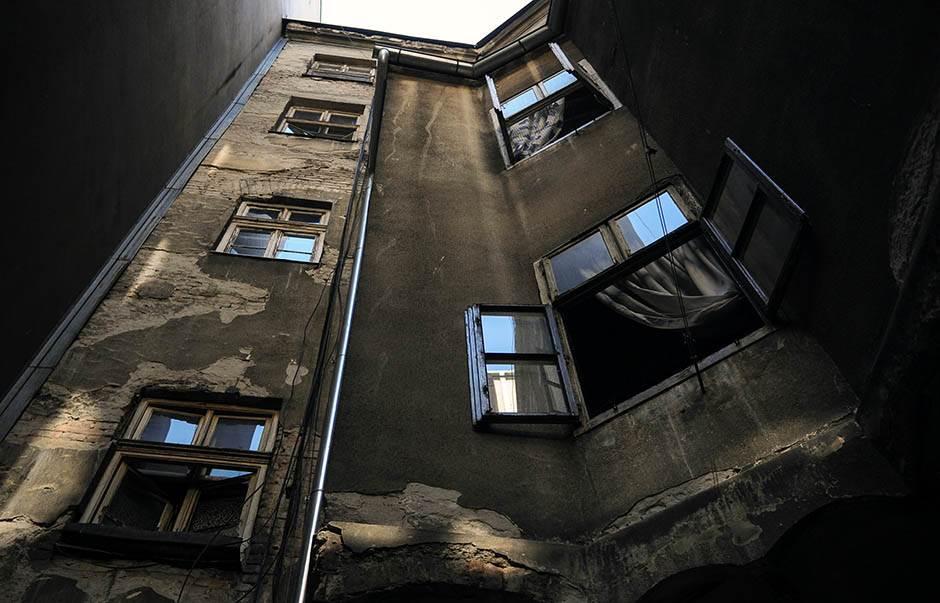 zgrada, prozori, soliter, stan,