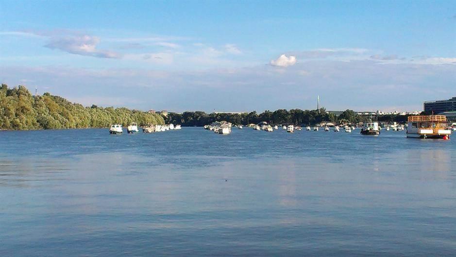 Beograd, reka, Dunav, čamac, čamci