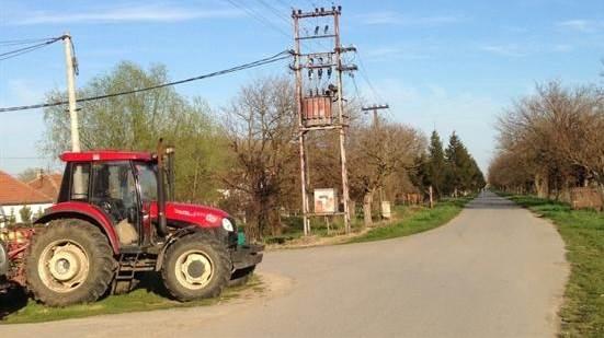 traktor,selo,traktorista
