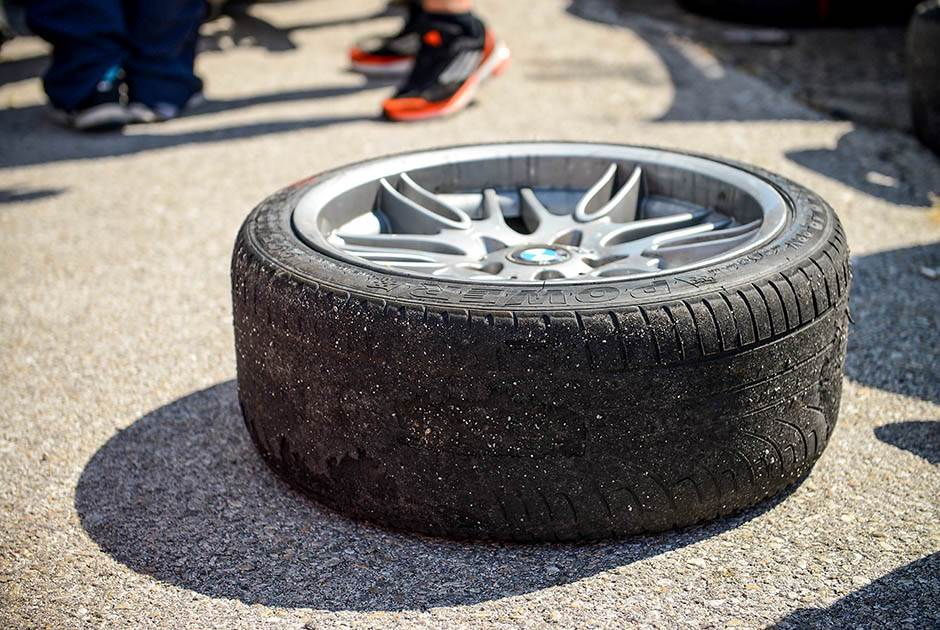 guma, točak. drift, ada huja, trke, vožnja, automobili, auto, automobil, kola, trka, auto trka,