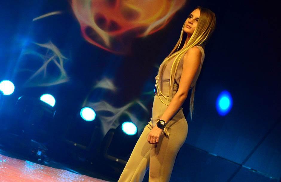 Ovako misica peva kosovsku pesmu (VIDEO)