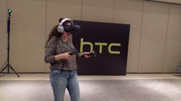 HTC HIT: Za 10 minuta prodato 15.000 VIVE uređaja!