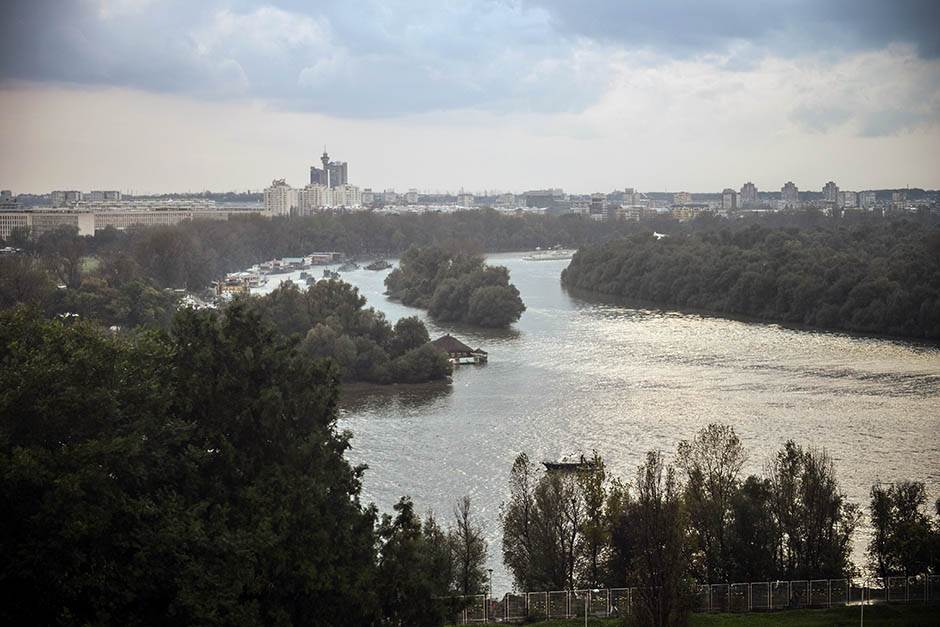 """Francuski """"Mond"""": Beograd je svoj i budi se"""