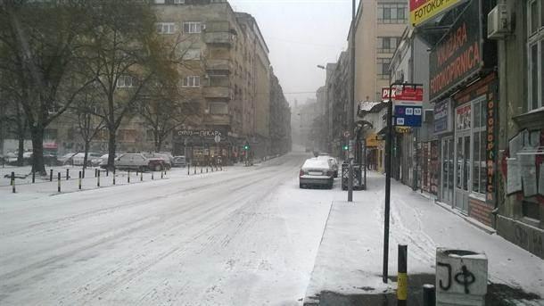 Zaleđena Srbija: Mećava pravi probleme  (FOTO)
