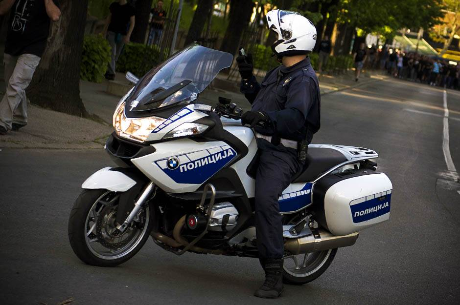 policija, saobraćajac, motor, policijski motor, patrola, ulica,