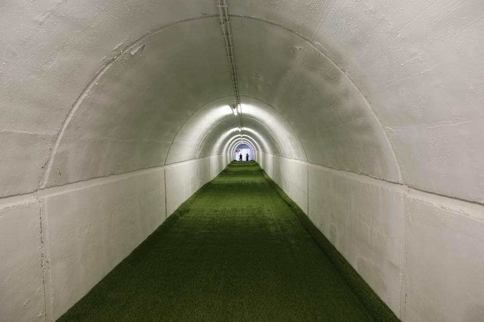 zvezda marakana tunel fudbal utakmica pokrivalica ilustracija