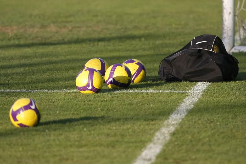 fudbal pokrivalica lopta trava teren ilustracija