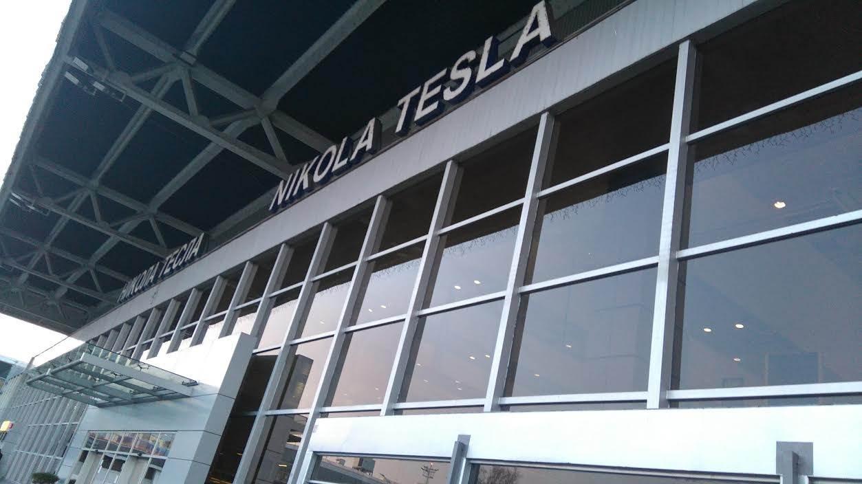 nikola tesla aerodrom surčin beogradski aerodrom