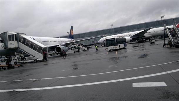 avion avioni lufthansa lufthanza aerodrom frankfurtski frankfurt