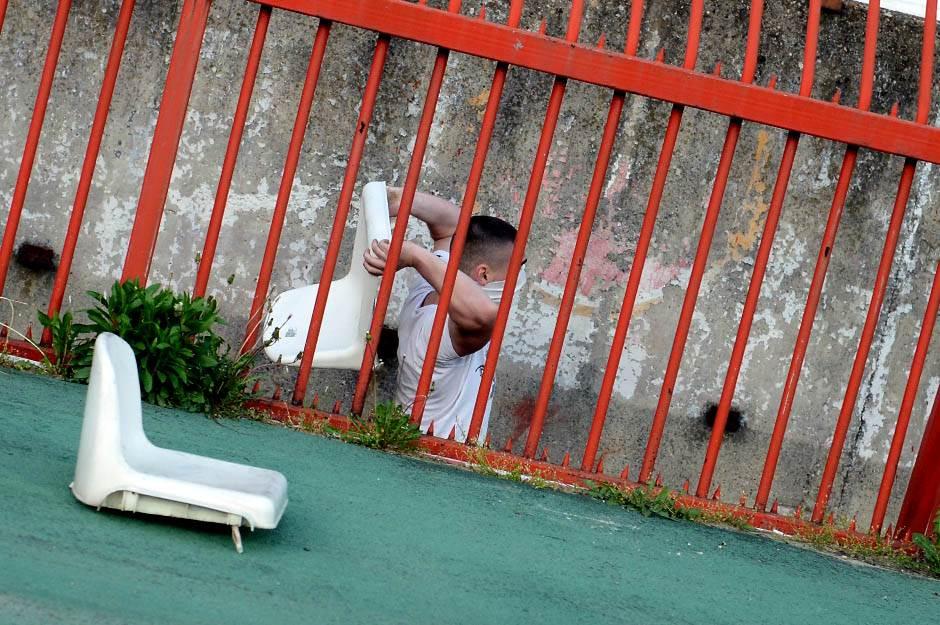 Ministar policije:Nismo nemoćni u borbi protiv huligana