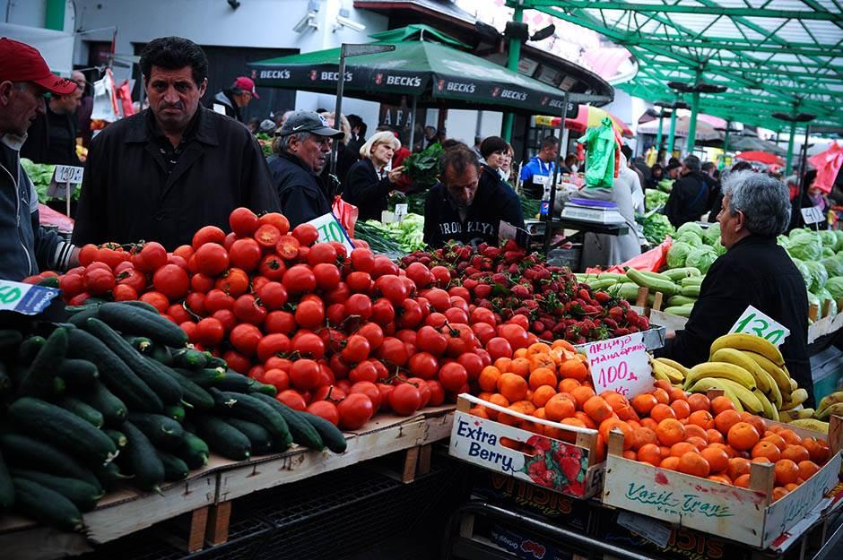 pijaca, voće, povrće, mandarina, paradajz, krastavac, kupus, namirnice,