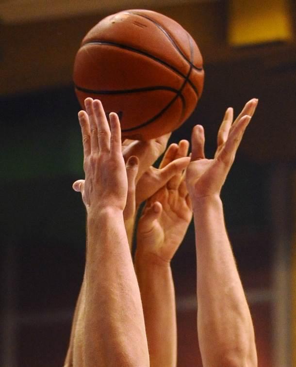 pokrivalica lopta košarka košarkaš ruke basketball ball