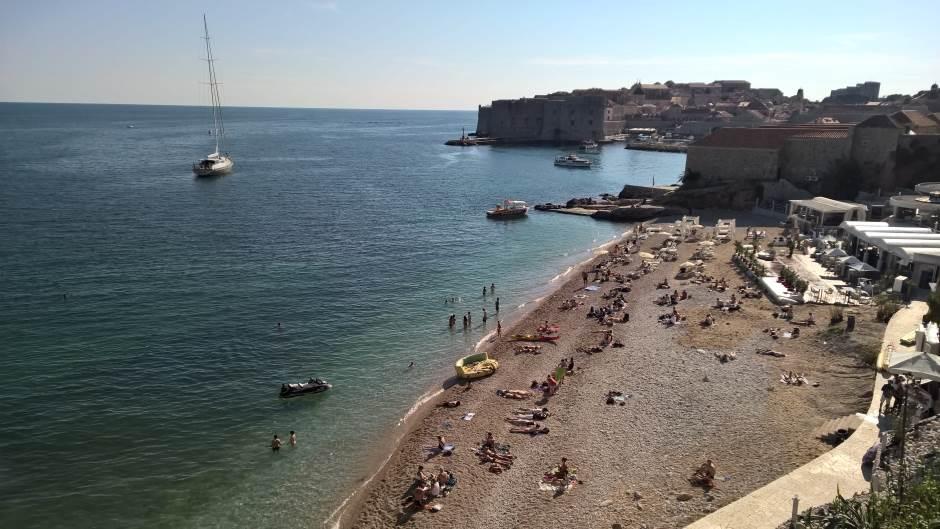 U Dubrovniku zabranjeno kupanje zbog prljavštine
