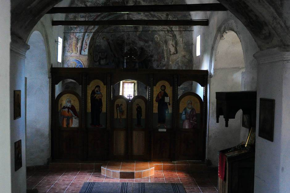 vlasina, selo, crkva palja, freske, freska, oltar,