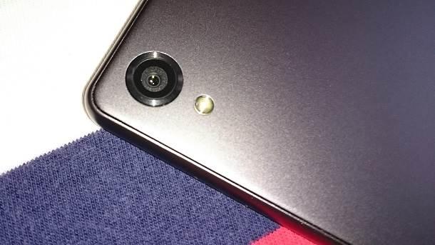 Sony Xperia X sočivo glavne 23MP kamere