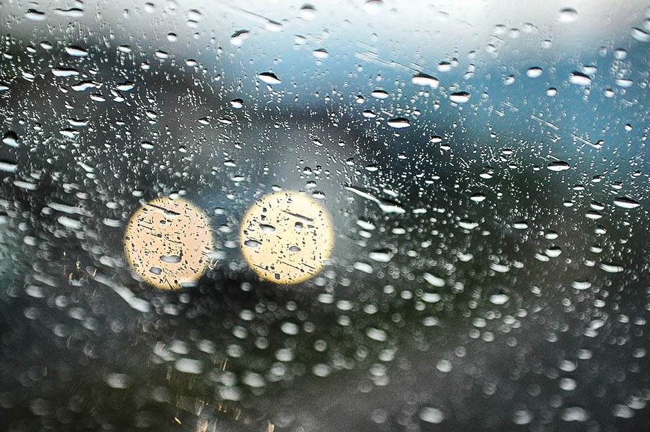 kiša, kisa, padavine, nevreme, kapi kiše, kap, kapi, poplave, pljusak, pljuskovi,