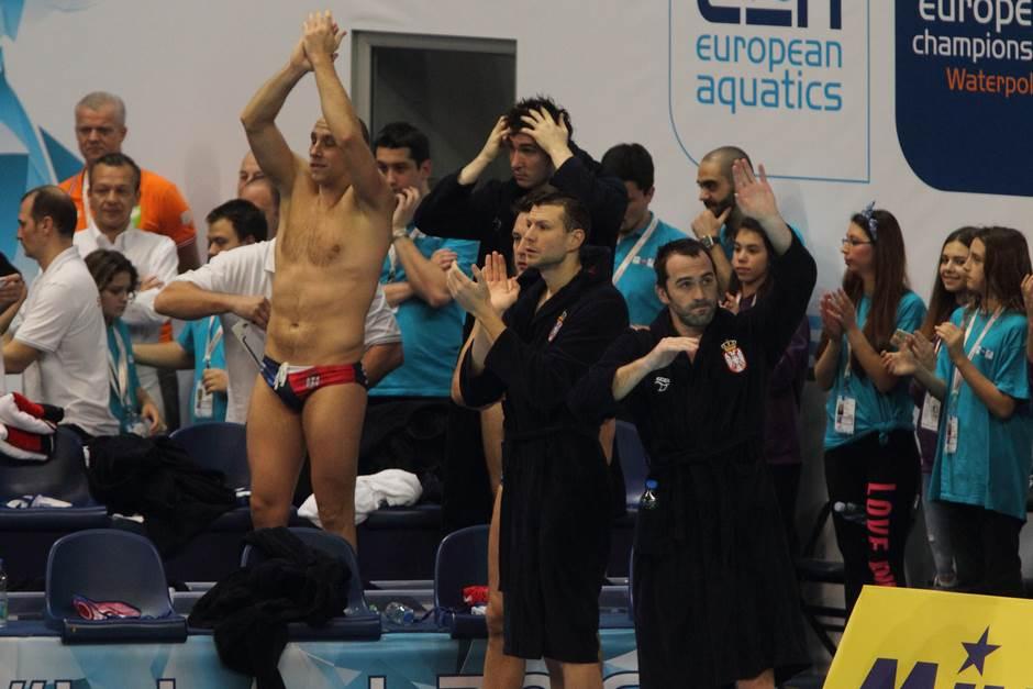 Gocić prelomio: Liga šampiona, pa na klupu!