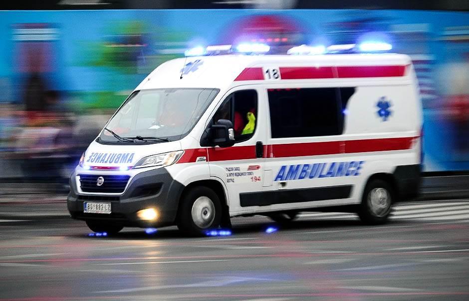 hitna pomoć, ambulanta, nesreća,