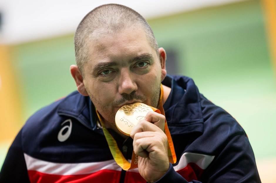 NOVO ZLATO: Laslo upucao medalju i rekord!