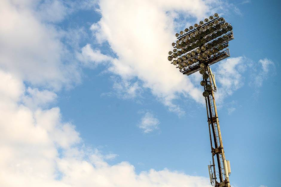 reflektor, rasveta, stadion, fudbalski stadion, reflektori, fudbal, utakmica