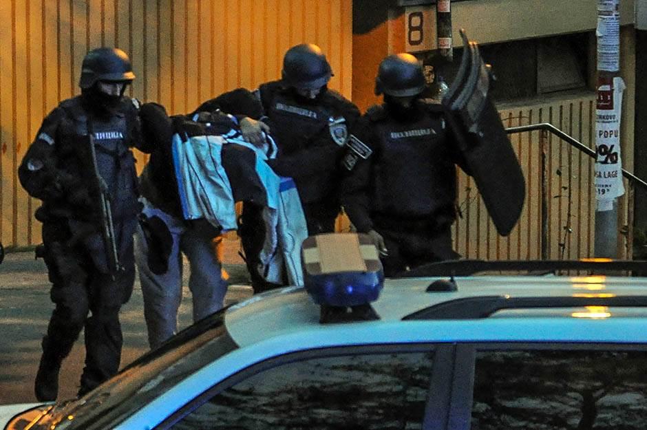 žarkovo hapšenje, hapšenje u žarkovu, policija,  hapšenje, provalnik, krađa, pljačka