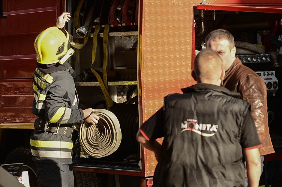 požar, vatrogasci, požar u zmaj jovinoj
