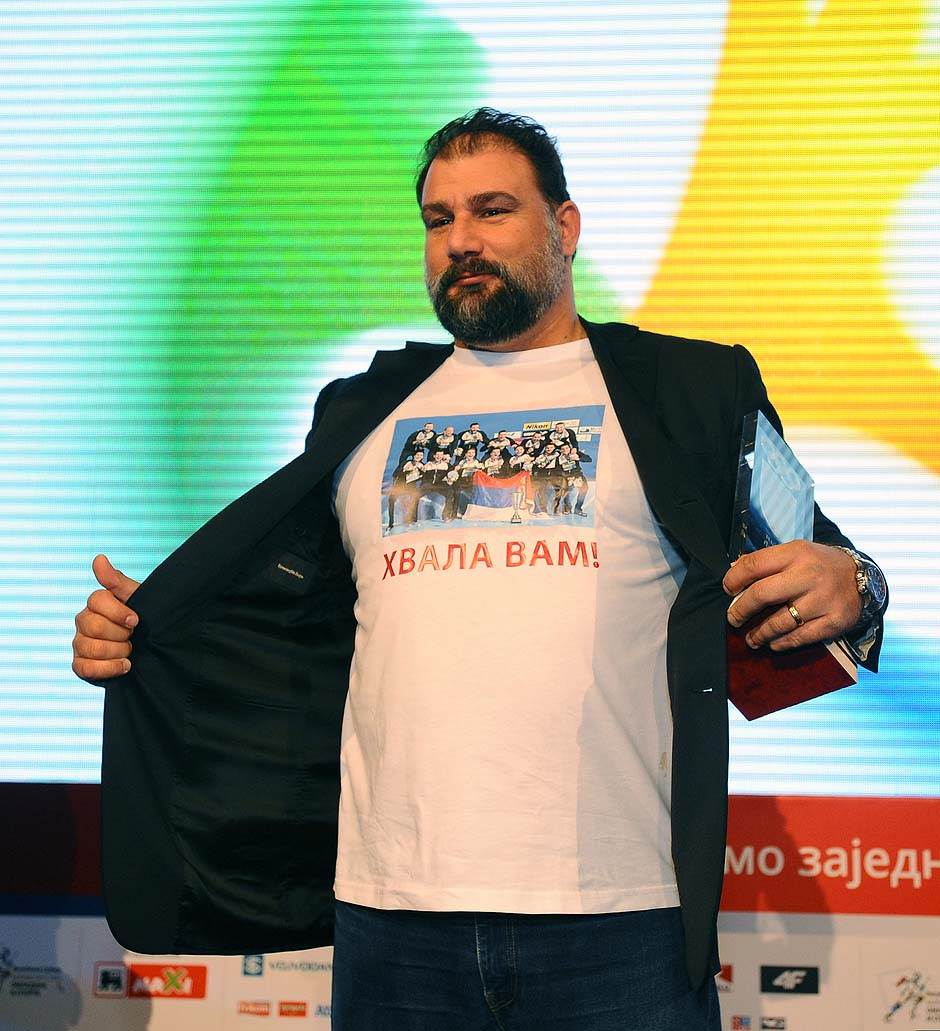 Dejan Savić - Proglašen je za najboljeg vaterpolo stručnjaka, drugi put uzastopno, proglašen u izboru Svetske asocijacije vaterpolo trenera.