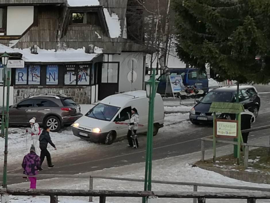 Predstavljamo najjači telefon u Srbiji (VIDEO)