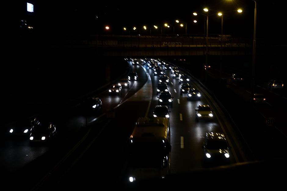 gužva, saobraćaj, gužve u saobraćaju, automobili, ulica, kola