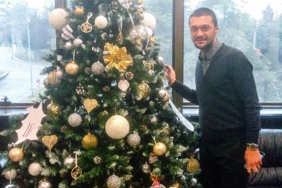 """Grobari, stižu vam pokloni od """"Deda Mraza Ilieva""""!"""