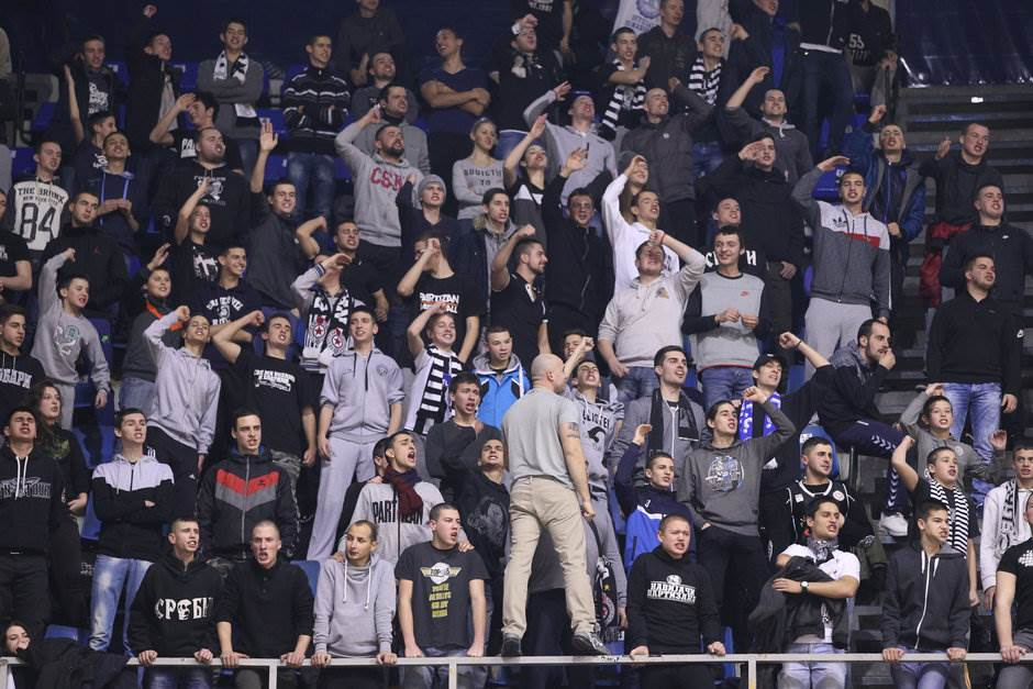 Grobari navijači Partizan